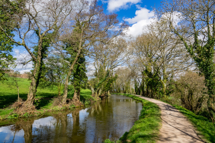 Monmouthshire and Brecon Canal - Things to do Crickhowell